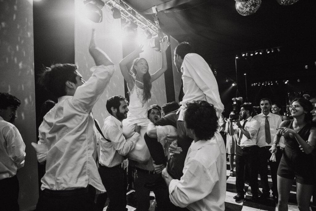 fiesta-fotos-artisticas-casona-macul-deborah-dantzoff